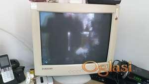 CRT monitori (3 komada)