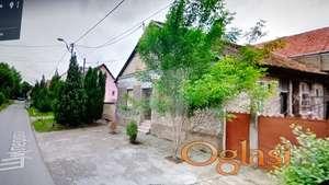 Izdajem prazan stan ili poslovni prostor u kuci od 50 m2 u Zemunu