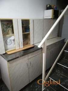 Kuhinjski elementi i 2 kombinovana frizidera