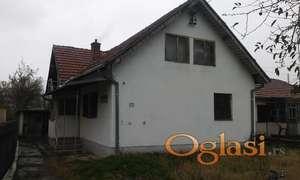 Prodajem kucu u Vucju kod Leskovca