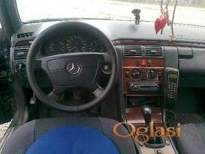 Inđija Mercedes Benz 220 clasik 1996