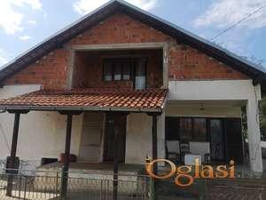 Kuća u Međulužju, Mladenovac, 120m2 i 11ari placa, 35.000e