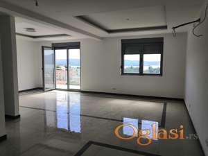 Na prodaji penthouse u Tivtu