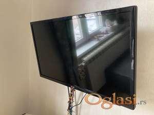 "LG televizor LCD 32"""