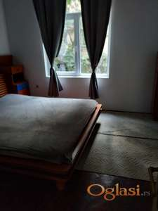 izdajem stan u Beogradu,  Dalmatinskoj,kod Vuka.40 m,280 e