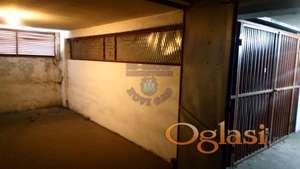Uknjižena garaža 1/1 u centru grada, površine 18m2