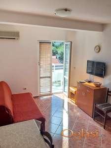 Apartman u Rafailovićima, 3 minuta od plaže
