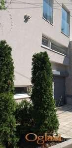 CENTAR - HOTEL PARK - POSLOVNO STAMBENA 500 m2 - 5000 Evra ID#1198