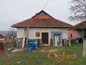Prodajem kucu u Zajecaru
