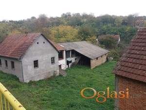 Prodajem imanje u Ležimiru