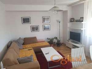 Izdajem 3.0 LUX stan u centru Pančeva