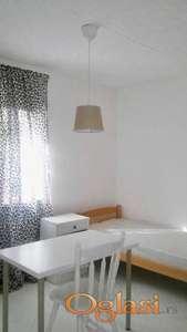 Soba sa kuhinjom i kupatilom