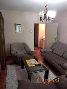Prodajem stan kod parka Cair