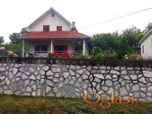 Prodajem kuću i imanje u Rogači kod Sopota