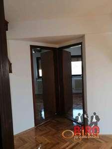 56 m2 odličan stan sa velikom terasom, Cara Dušana
