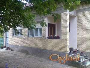 Lepa porodična kuća  u okolini  Novog Sada.