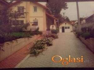 Kuća u Sremskoj Kamenici(centar) - Povoljno - bez posrednika