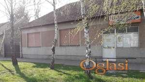 Trosobna kuća sa lokalom u Srbobranu