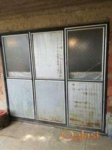 trokrilna metalna garažna Vrata