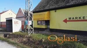 Kuća u Adaševcima sa lokalom