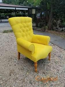 Fotelja E