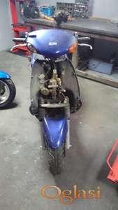 motor se prodaje u delovima