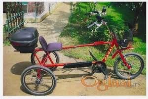 Električni i obični tricikli