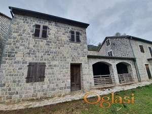Imanje sa obnovljenom kamenom kućom u Prčanju