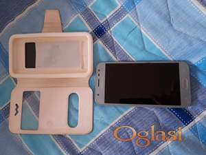 mobilni telefon model J3