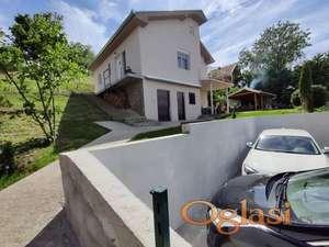 Odlično DELUXE uređena Vikend kuća Dunav na 400 m., Čerević