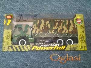 igracka vojni kamion