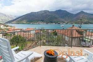 Vila sa šest apartmana u Kamenarima, Kotorski zaljev