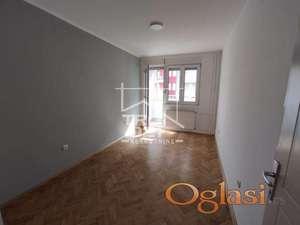 Prodaje se odmah useljiv stan bez ulaganja!!