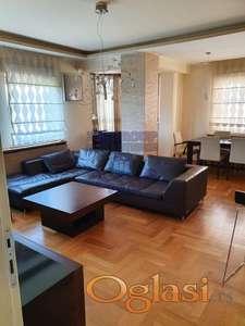 Fantastičan porodičan stan u blizini Sajma