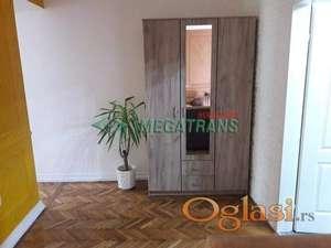 94 m2, salonac, Ilije Ognjanovića, 3.sp BEZ lifta, renoviran. ID#1208
