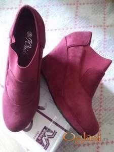 Cipele bordo boje vel 38