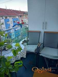 Odličan dvoiposoban stan sa parkingom mestom