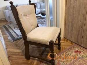 EXTRA OČUVANO,POVOLJNO Trpezarijski sto sa stolicama od hrastovog drveta