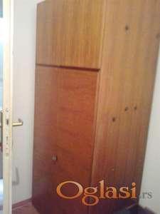 Garderober i vitrina