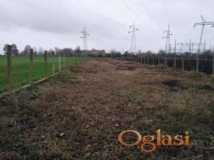 Prodajem zemljiste na Čeneju na glavnom putu(Novi Sad-Bački Jarak-Temerin)