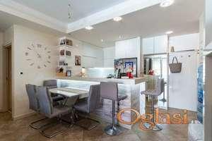 2-soban luksuzni stan u Nivel zgradi