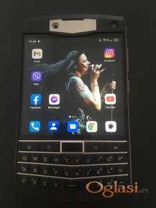 Unihertz Titan / Blackberry clone