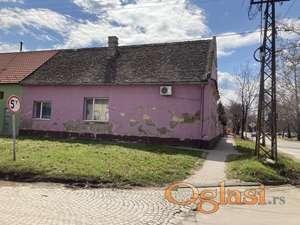 Plac sa kućom za rušenje ili veću adaptaciju