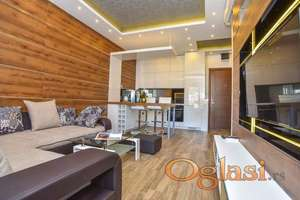 Prodaje se luksuzan stan u centru Budve