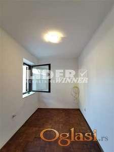 Funkcionalan jednoiposoban stan u porodničnoj kući ID#102552