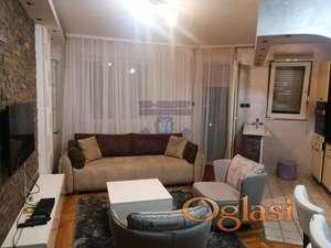 Fantastična ponuda!!  2 spavaće sobe i dnevna!!