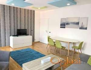 Izdavanje stanova Beograd-Trosoban lux stan u novogradnji