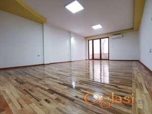2.0 Soban, 93m2, Stan/Poslovni Prostor, Centar, 1. Sprat
