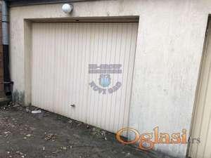 Prodaje se uknjižena garaža nedaleko od samoc centra Novog Sada
