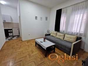 Prelep stan, na odličnoj lokaciji u Petrovaradinu